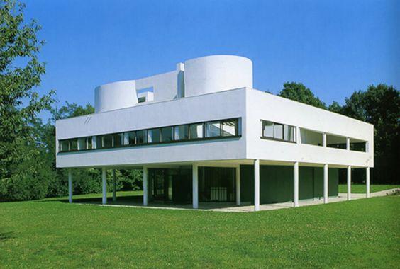 La Villa Savoye es una de las obras arquitectónicas que transformó la concepción de la Arquitectura y del pensamiento arquitectónico en el s...
