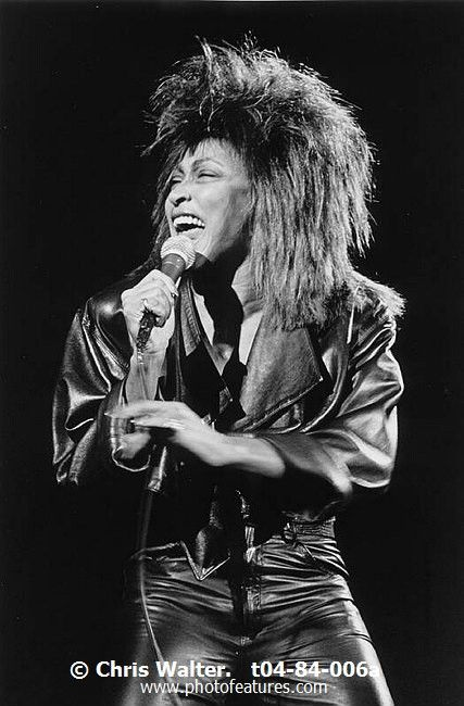 Tina Turner t04-84-006a photography by © Chris Walter
