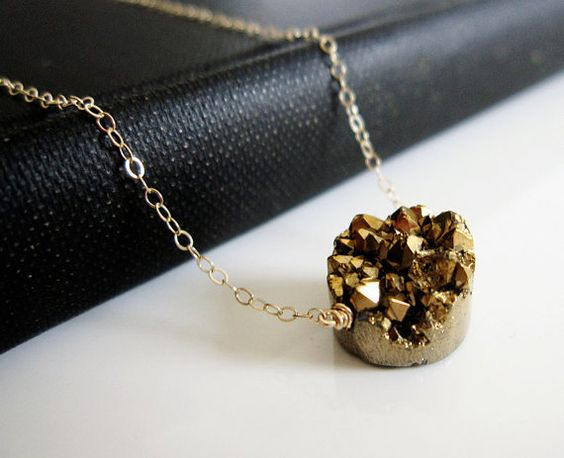 Gold Druzy Necklace, $33.00: Accessories Naooo, Minimalist Jewelry, Accessories 3, Crystal Necklace, Fashion Accessories, Gold Druzy, Druzy Jewelry