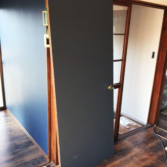 Diyで木製ドアを作る 簡単 価格は セルフリノベーション Com 木製ドア ドアリフォーム インテリア 収納