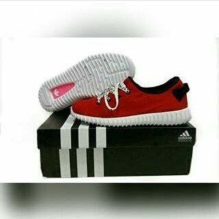 Sepatu : Adidas yeezy ukuran : (37-40) harga : 299.000 (harga belum termasuk ongkir) ------------------------------------------------- Untuk pemesanan bisa hubungi BBm/telp/lineyg tercantum di profile. -------------------------------------------------- Cara pemesanan/order. 1.kirim gambarukuran 2.kirim alamat lengkap & no telp 3.transfer (hargaongkir) 4.barang segera dikirim dan diproses 5.No resi JNE dibagikan H1 #likes4likes #like4like #likes #likes #follwme #follome #follow #order…