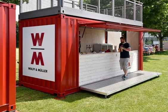 Ein Barcontainer geplant und gebaut von TwoTimesTwentyFeet.  Der Bar Container ist jetzt für Wolff & Müller im Einsatz. Er wird für Sponsoren Zwecke benutzt und um Interne Baustellenfeste mit dem Barcontainer zu versorgen.