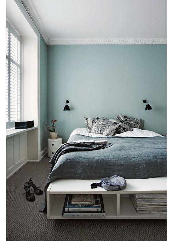 Une chambre bleue pastel: