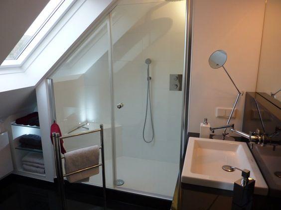 Badgestalten Duschen unter der Schräge Badezimmer Pinterest - badezimmer mit schräge