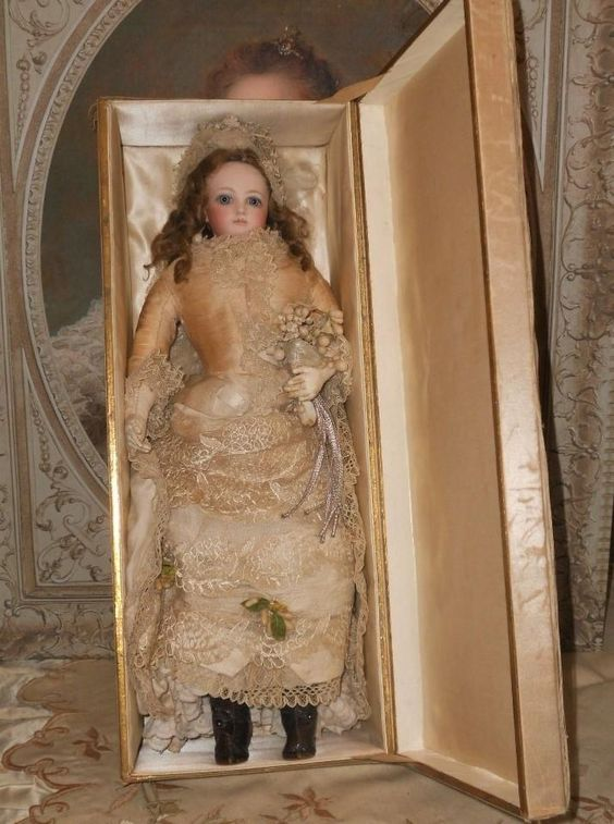 ~~~ Pristine All-Original French Bisque Jumeau Poupee in Wedding Presentation ~~~