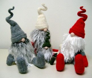 Designed by the wonderful Alan Dart, he designs the most wonderful toys and these are amongst my favourite. You can buy the pattern from his website: www.alandart.co.uk