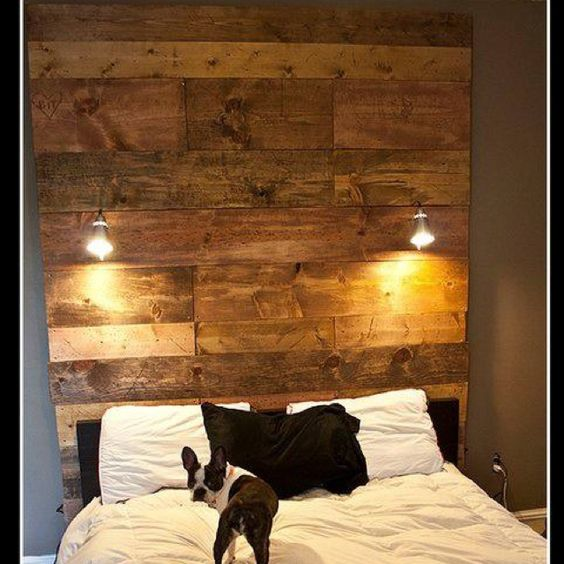 Diy headboard with wood and ikea lights diymeubles for Rustic headboard with lights