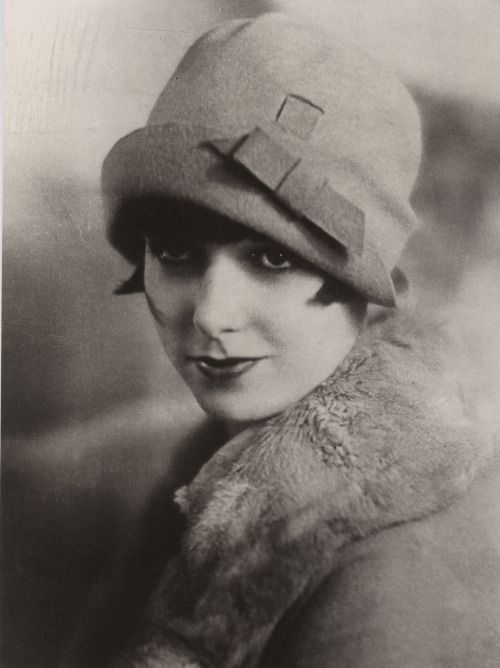 "miss-flapper: "" Louise Brooks and cloche hat, 1920s """
