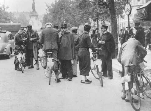 French police round up Jews. Paris, France, August 20, 1941.: