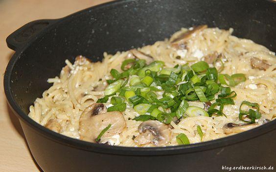 Pasta mit Champingnon-Sahnesauce und Feta - in der Gastrolux Pfanne wieder einmal lecker geworden