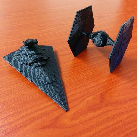 Experiments in #3dprinting with #starwars models from #thingiverse by astronaut_pilcher