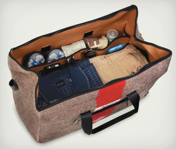 The Genuine Swiss Army Blanket Duffel | Cool Material