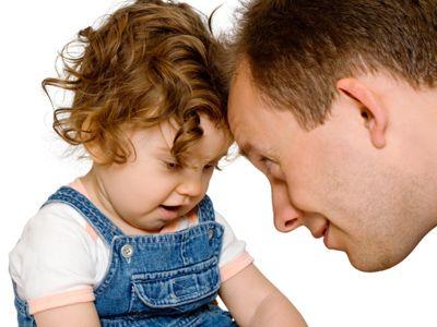Neun Sätze, die für Kinder wichtig sind | Wir Eltern reden den ganzen Tag mit unseren Kindern, doch es gibt Sätze, die sind besonders: Sie wirken positiv auf Kinder und bewirken mehr Verständnis für einander. Welche Sätze das sind, lesen Sie hier.