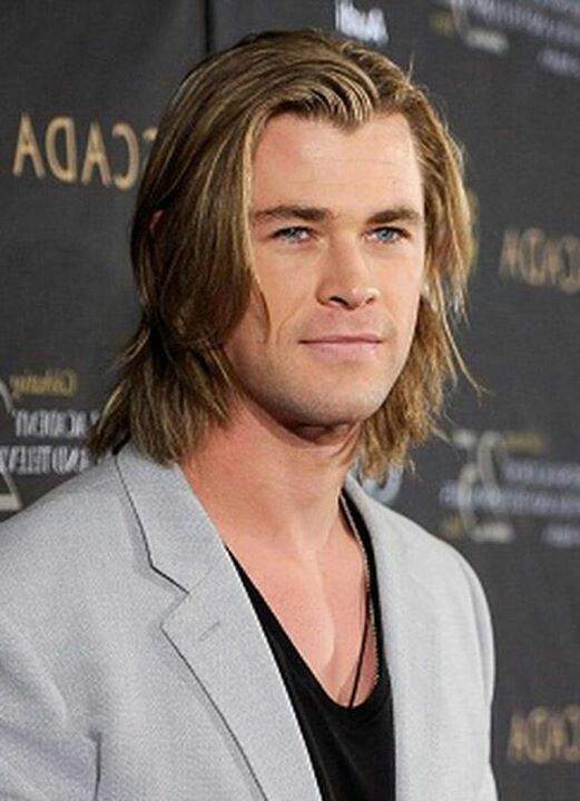 Chris Hemsworth Haircut Thor Haircut Men S Hairstyles Haircuts 2019 In 2020 Long Hair Styles Men Man Bun Hairstyles Chris Hemsworth Hair