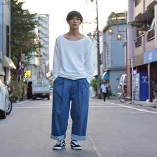 [theSakaki]  Wide denim pants  ザサカキのデニムパンツ。 デニムの表情ながら綺麗なラインなのでフォーマルスタイルにも合わせることが可能な1点。  #oviestudio #thesakaki
