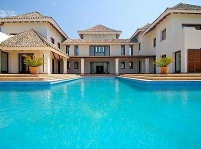 traumh user luxus immobilien traumhaus mit riesigem pool luxus pinterest schwimmb der. Black Bedroom Furniture Sets. Home Design Ideas