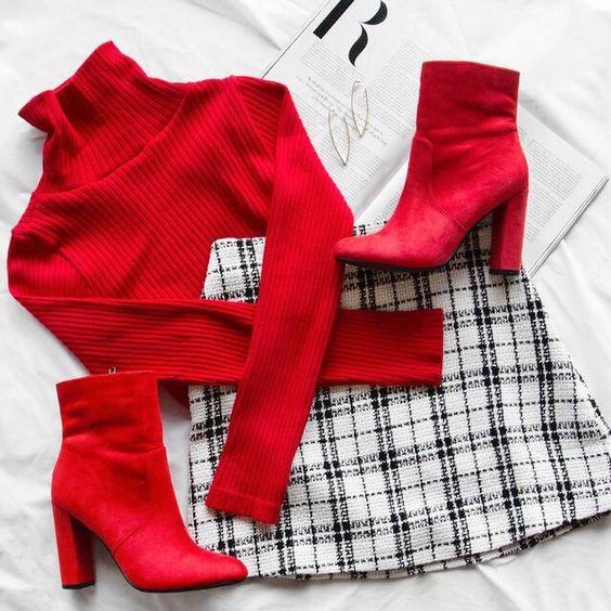 El color rojo es uno de mis favoritos aunque quiero ser honesta con respecto a eso ya que pienso que los seres humanos no podemos tener algo favorito. Porque lo favorito se repite y se repite y al …