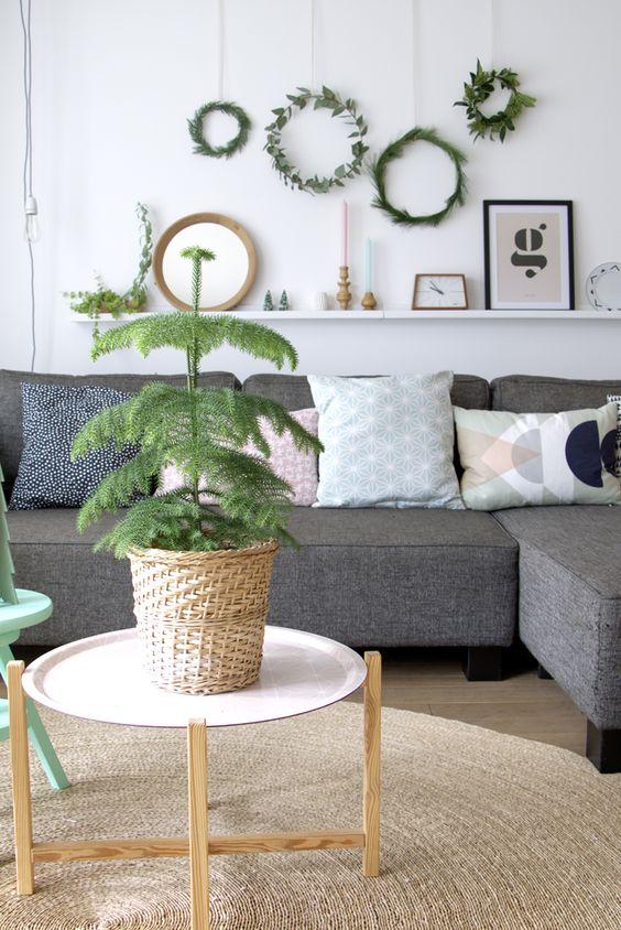 Foliage wreaths: