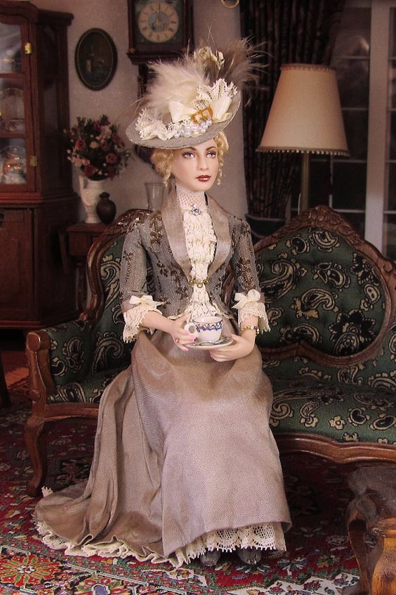 Theresia, porcelain miniature dollhouse doll by Annemarie Kwikkel.  Silk and silk brocade visiting dress, around 1895.