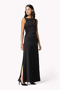 Sophisticated maxi dress in a timeless, figure-following styling. Sleeveless styling with flattering boat neckline, close-fitting bodice and a floor-length skirt.<br/><br/>Our model is 1.76m and is wearing a size S Tommy Hilfiger dress.