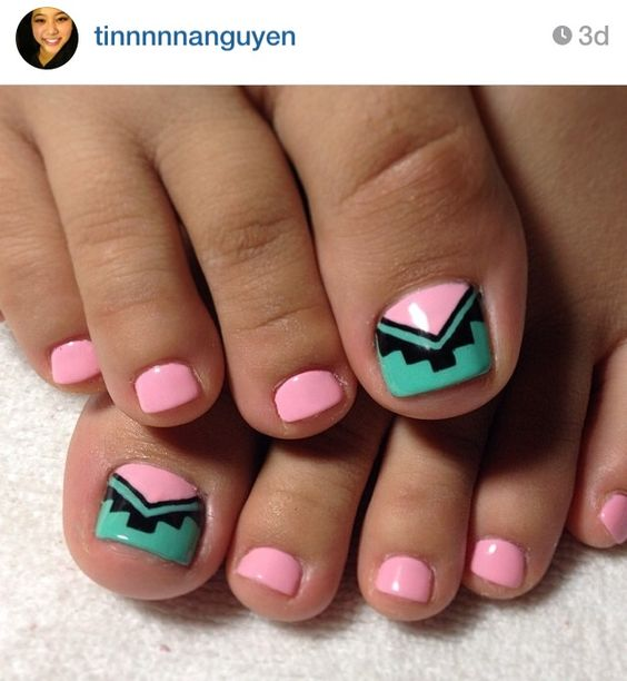 Kris--this would be cute with your teal and peach.  Tribal toes.