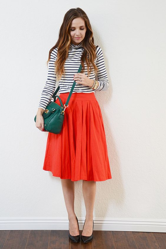 6 (Non-Tacky) Ways to Wear Red and Green for the Holidays: