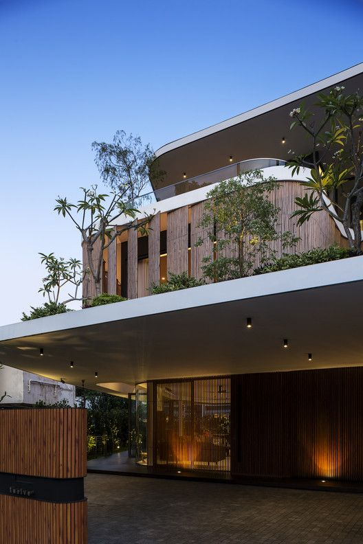 Gallery Of Bamboo Veil House Wallflower Architecture Design 23 In 2020 Facade House Architecture Design Facade Design