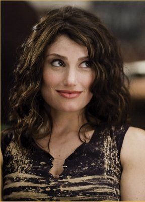 Accomplished - 2014! To see Idina Menzel in something