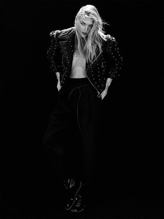 Vogue Taiwan January 2017 Martha Hunt by Bryce Thompson