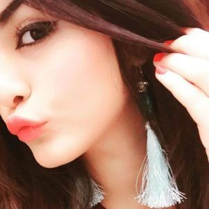 Girl with Pout Dp Images for Whatsapp
