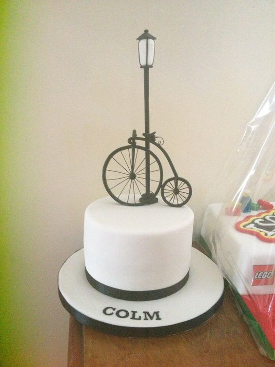 Classic penny farthing cake