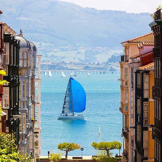 La bahía de #Santander desde la calle Lope de Vega. Fotografía de Nacho Fraile. #Cantabria