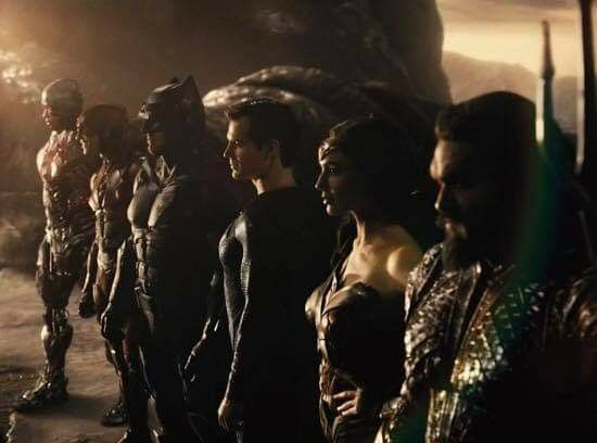 Pin By 2iel4 42i2 On Henry Cavill Man Of Steel June 13 2013 Batman V Superman Mar 25 2016 Justice League Nov 15 2017 Justice League Justice League Trailer New Trailers