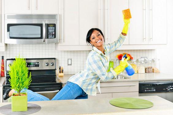 Seguro que limpiar la cocina os da un poquito de pereza, os damos un truco genial para poneros manos a la obra.