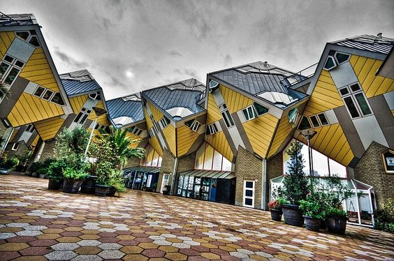 Les maisons en cube de Rotterdam ont été imaginées par l'architecte Piet Blom