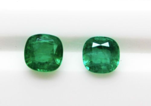 1-58-Ct-Fine-Natural-Emerald-Cushion-Pair-for-Earrings-Ring-Pendents-AUCTION-AU