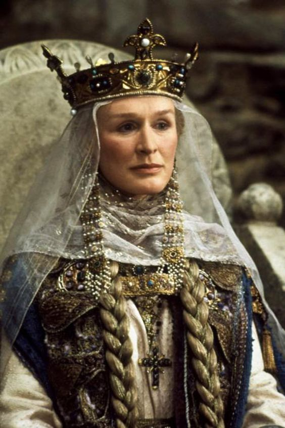 Glenn Close in Hamlet (1990):