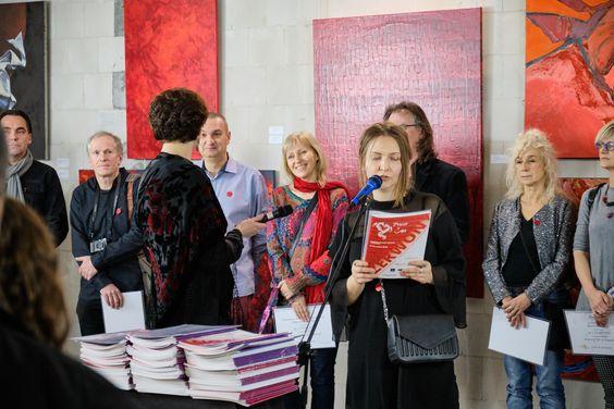 Power of Art w Koneserze - Czerwony