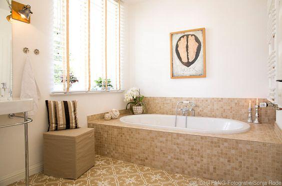 Für das Badezimmer eignen sich Farben, die dem Erdelement ...