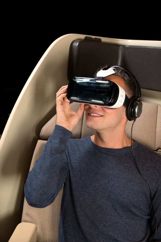 4-qantas-and-samsung-introduce-virtual-reality-experience-for-travellers