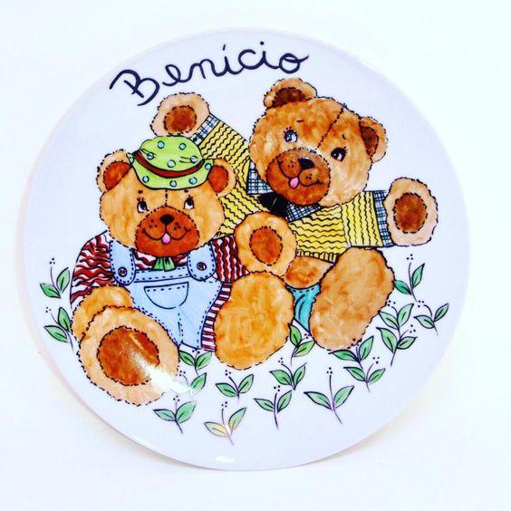 Bom dia! Ursos fofíssimos para um Benício... #porcelanapintadaamao…