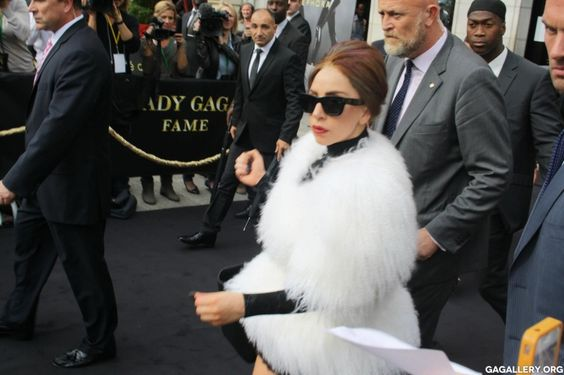 lady gaga - she looks so fab