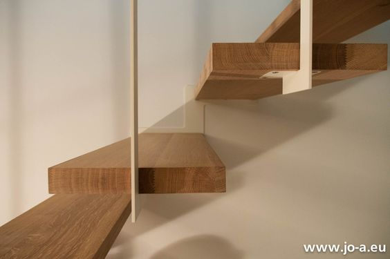 Up suspended staircase #stairs #design