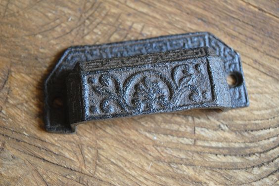 Cast Iron Cup Pull with Flourish