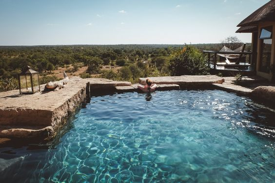 The Travel Blog for Romantics & Adventurers // Honeymoon & Destination Wedding Inspirations  // Luxury, Adventure & Responsible Travel
