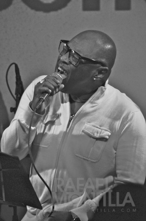 Marcelino Valdes, Esencia in Hoy como ayer Bar 8 Street, Miami, FL