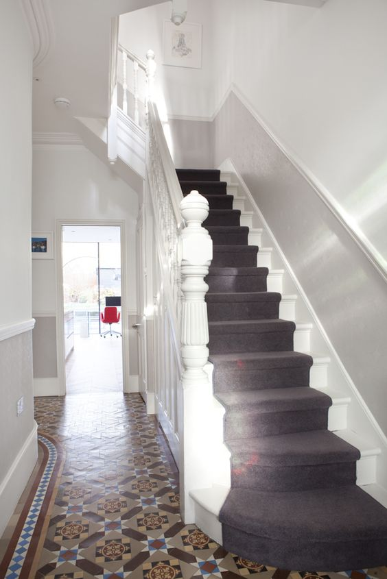 When i come into a house i love to see a romantic stairway in the hallway.