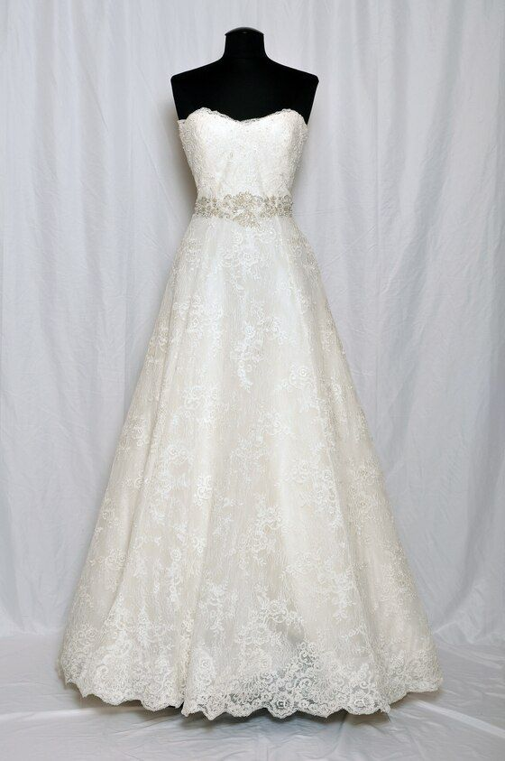 Alyne Bridal 0129986 In 2020 Bridal Wedding Dresses Allure Couture