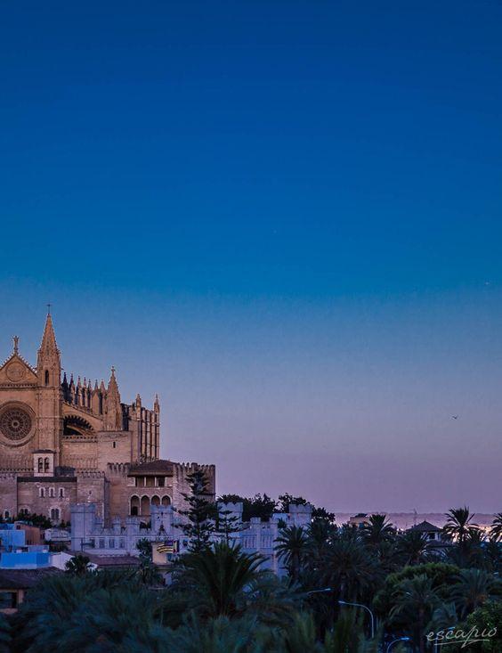 Palma de Mallorca by night. Aussicht vom Hotel Hostal Cuba. Mallorca, Spanien
