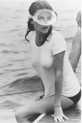 Jacqueline Bisset  Desinhibición de brillante y hermoza mujer